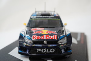 98 フォルクスワーゲン・ポロR WRC (2015)_005.jpg